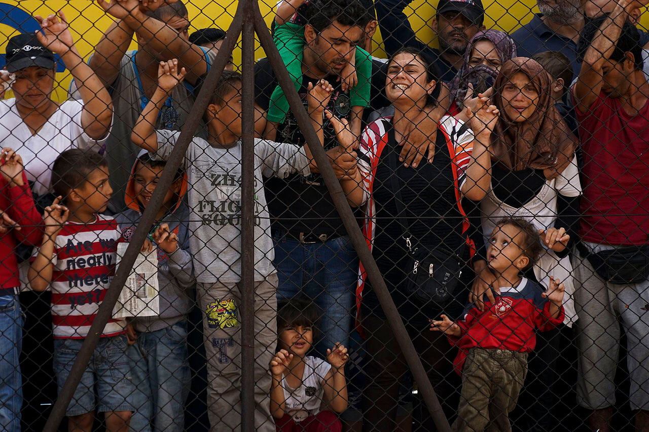 Syrian refugees plead for admittance into Budapest, Hungary